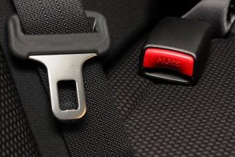 Ostoba hiba teszi életveszélyessé az autókat