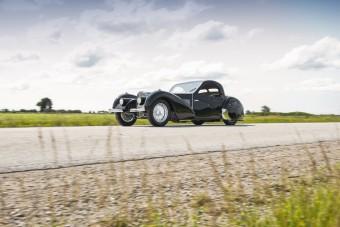 Gabonamágnás vette meg a gyönyörű Bugattit
