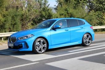 Itt az új Egyes és a kombi Hármas BMW