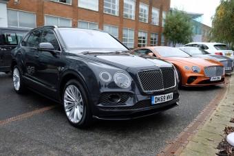 Vezettük a világ leggyorsabb szabadidő-autóját - Bentley Bentayga Speed