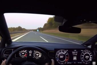 Ez a Golf háromszáz felett hasított a német autópályán
