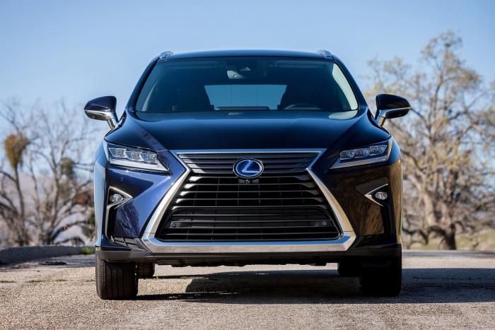 Csodalámpával a németek ellen – új Lexus RX 3