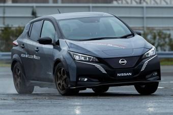 Összkerékhajtást kap a Nissan Leaf