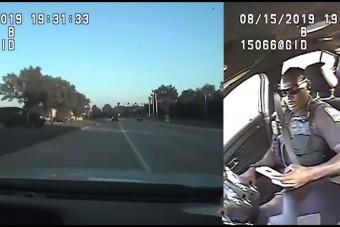 Telefont nyomkodott vezetés közben a rendőr, igazán furcsa baleset lett a vége
