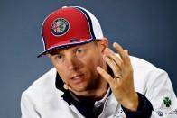 F1: Vettel védelmébe vette Hamiltont 1