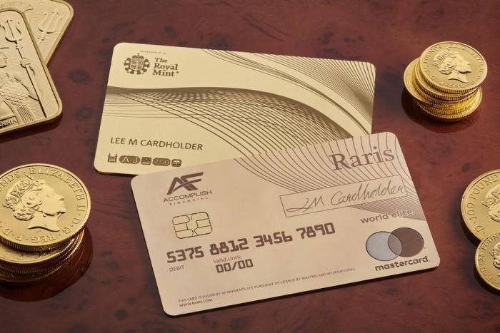 Fém bankkártyát kaphatnak a magyarok