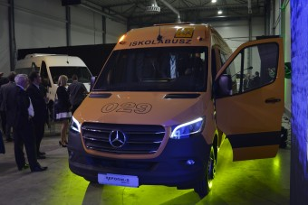 Itt az új magyar iskolabusz