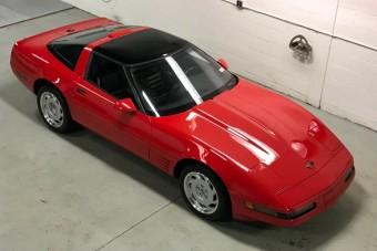 30 évig várt az első tulajdonosra ez a piros Corvette