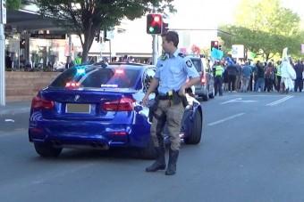 Itt az ausztrál rendőrök titkos elfogóvadásza