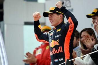 F1: Verstappen óriási pénzt kaszál az új szerződéssel