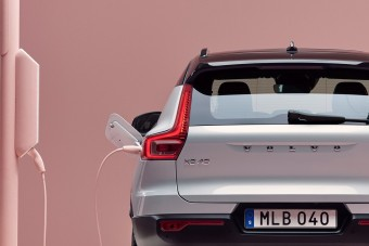 2040-re csak villanyautót kínálna a Volvo