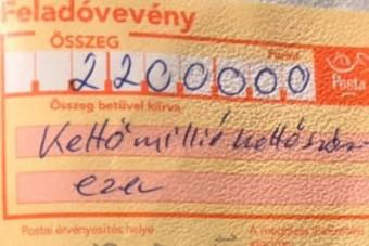 A Facebookon hisztizik a kétmillióra bírságolt román tréleres