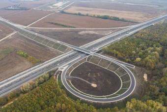 Átadták az M7-es új szakaszát, gyorsabb lesz az út a Balaton északi partjához
