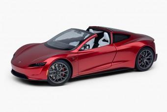 Tényleg kapható a Tesla Roadster, és a polcon is elfér