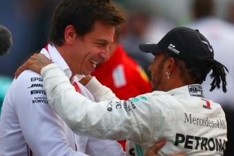 F1: Hamilton még nem döntött jövőjéről