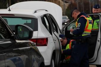 Rászálltak a rendőrök a külföldi rendszámokra