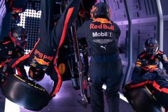 Őrület: F1-es kerékcsere súlytalanságban – videó