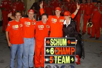 F1: Hamilton már túlszárnyalta Schumachert
