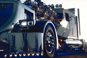 Ettől a 24 hengeres kamiontól ledobod a láncot!