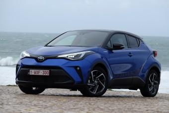 Izgalmas külsejű, jól vezethető hibridre vágysz? Tessék: Toyota C-HR 2019.