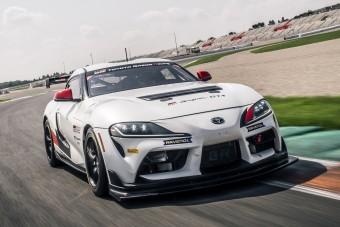430 lóerős versenyautót csinált a Toyota a Suprából