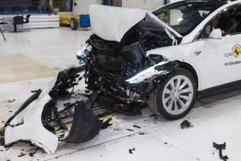 Ennyire biztonságosak a luxus-villanyautók