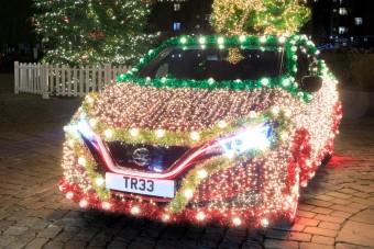 Karácsonyfát faragtak a villanyautóból