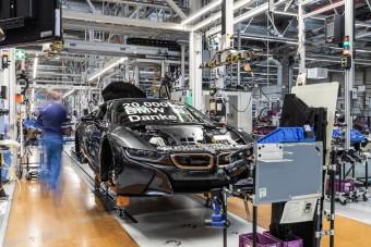 Hamarosan leköszön a BMW i8-as, de már most tudjuk, hogy nem lesz gyakori darab