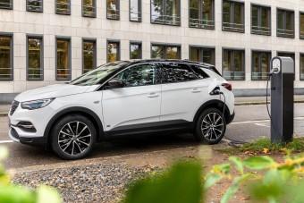 Itt az Opel olcsóbb hibridje
