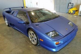 Nem véletlenül olcsó ez a ritka Lamborghini Diablo