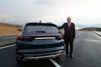 Villanyautókkal hódítana az új török autómárka