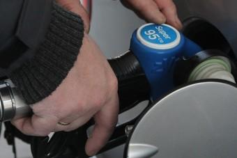 Itt ellenőrizheted online, hogy bántja-e az autód az új benzin