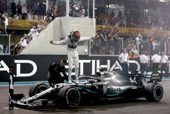 F1: Hamilton maga rendezte a saját ünneplését