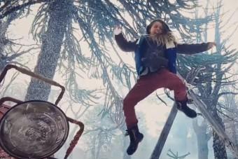 Az idei tél legmenőbb hógolyócsatája John Wick-stílusban