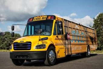 Teljesen elektromosra cserélik az iskolabuszokat
