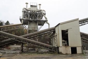 Robbantás Komlón: 30 ezer tonna kő omlott le