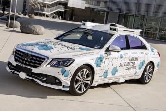 Sofőr nélkül jön a Mercedes taxi