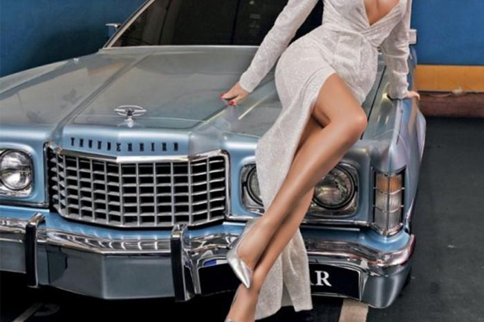 fekete leszbikus a motorháztetőben nagy punci bonpensiero