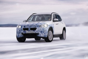 Csapatós autó lesz az elektromos BMW X3