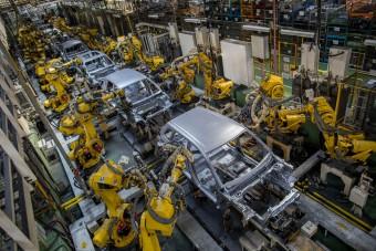 Suzuki: Intenzív struktúraváltás az autóiparban (x)