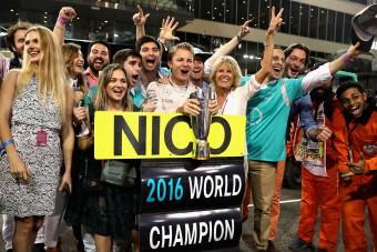 F1: A Mercedes bevitt egy gyomrost Rosbergnek