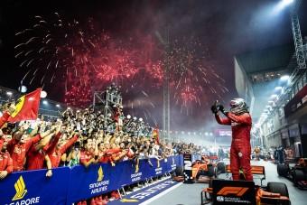 Ferrari: Szingapúrban hagyni kellett Vettelt győzni