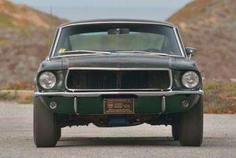 A Mustang, aminek gumiját Steve McQueen füstölte el