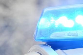 Autót lopott a 15. szülinapjára Budapesten, üldözés közben árokba hajtott