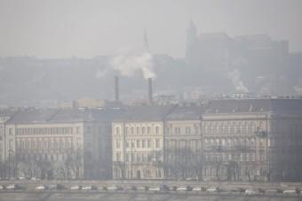 Itt a bejelentés: szmogriadó van Budapesten