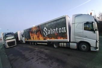 Budapesten járt a népszerű svéd kamionos hölgy