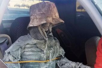 Csontvázzal akarta átverni a rendőröket egy amerikai autós
