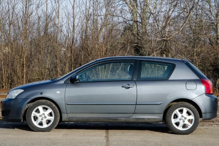 Sokat változott, de sokkal izgalmasabb nem lett a Corolla 13 év alatt 4