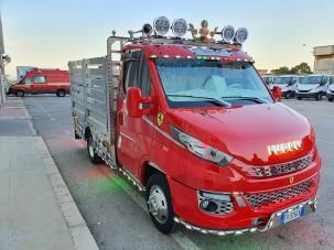 Elájulsz, ha meglátod ennek a teherautónak a luxussal teletömött belterét