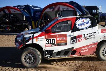 Alonso nekiment egy sziklának a Dakaron